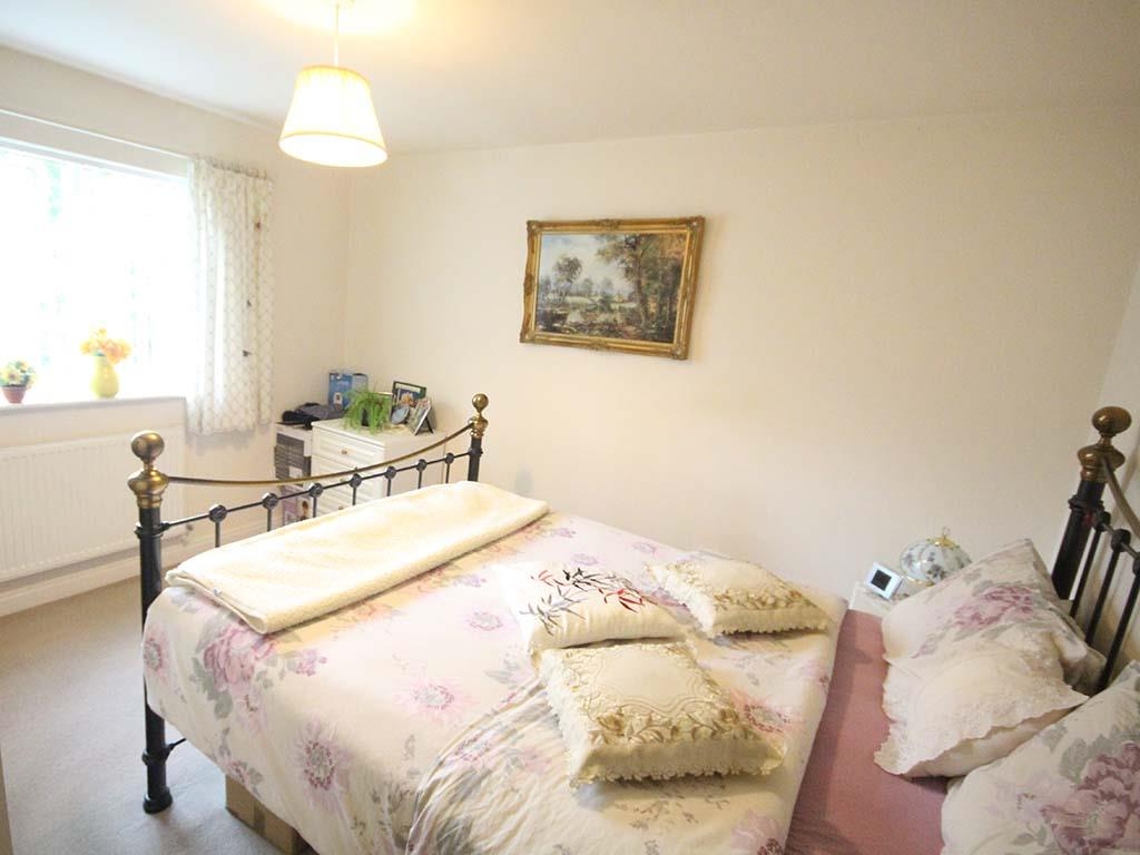2 bedroom apartment For Sale in Colne - IMG_8102 2.jpg